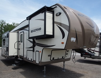 Half Ton Towable Fifth Wheels >> Rockwood Ultra Lite Fifth Wheel
